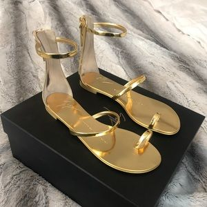 Giuseppe Zanotti Gold Mirror Leather Flat Sandal
